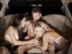 Тажик жену паймал муж секс скачат видео