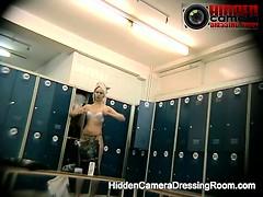 Скрытая камера раздевалка и баня