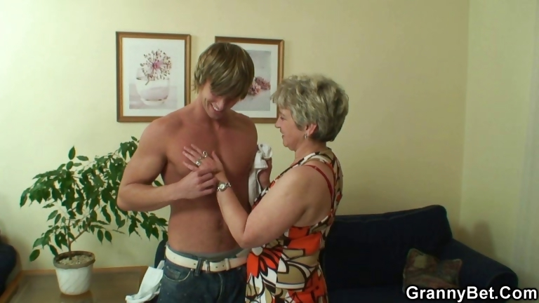 Porno Video of Lonely Granny Takes Big Cock