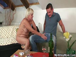 Русская жена изменяет мужу частное домашнее смотреть порно