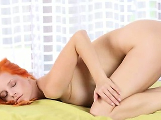 Загорелые брюнетки в купальнике эротика видео