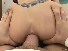 Devuski s seks masinami