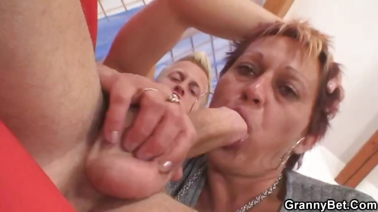 Porno Video of Granny Rides Neighbour's Big Cock