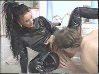 Porno Video of Classic German Fetish Video Fl 18