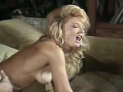 Жена изменяет мужу на курорте порно онлайн