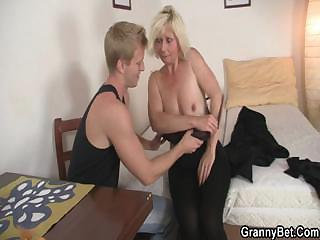 Porno Video of She Allows Him Drill Her Old Cunt