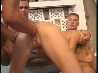 Porno Video of German Milf Fisting