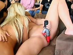 Струи молока из сисек порно видео