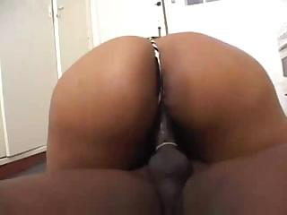 Big booty Brazilian babe sticks out her ass to get fucked
