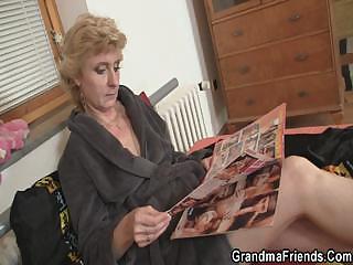 Длинноногую русскую брюнетку смотреть порно