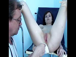Porno Video of Terri Gyno Speculum Explicit Kinky Gyno Exam By Old Doctor