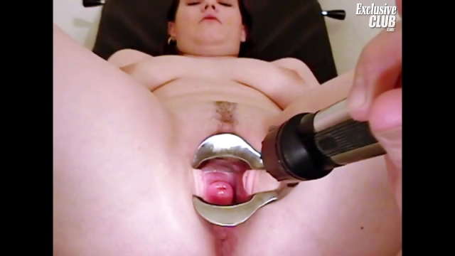 Porno Video of Chubby Nia Gyno Speculum Exam Of Her Wide Open Pussy