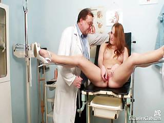 Porno Video of Redhead Denisa Gyno Pussy Speculum Examination At Clinic