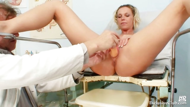 Porno Video of Blonde Gabriela Gyno Speculum Exam At Kinky Clinic