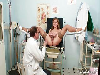 Porno Video of Viktorie Kinky Gyno Pussy Speculum Examination By Old Doctor