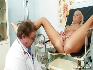 Porno Video of Klara Big Tits And Pussy Gyno Speculum Clinic Exam
