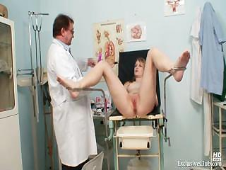 Porno Video of Teen Ema Gyno Speculum Kinky Detailed Examination At Clinic