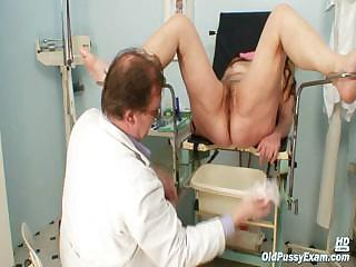Porno Video of Mature Woman Stazka Gyno Speculum Real Pussy Examination