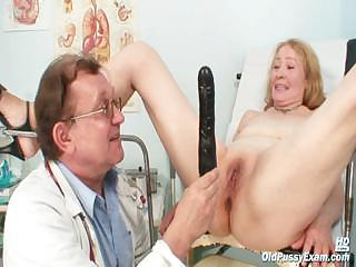 Porno Video of Granny Sofie Gyno Pussy Speculum Examination