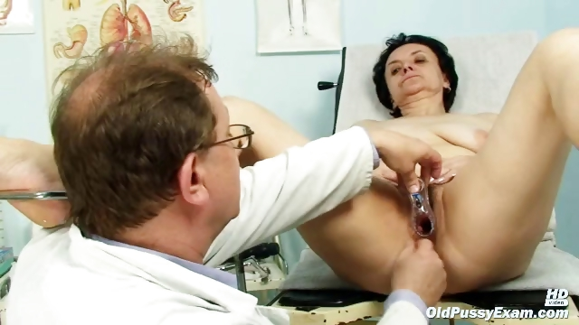 Porno Video of Old Miriam Doctor Gyno Speculum Pussy Checkup On Gynochair