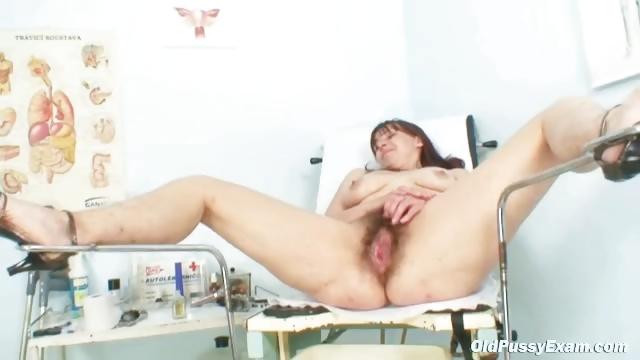 Porno Video of Karin Gets Speculum Inserted Deep Inside Her Hairy Pussy