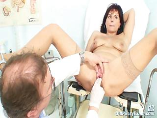 Porno Video of Mature Livie Pussy Examination By Horny Kinky Gyno Doctor