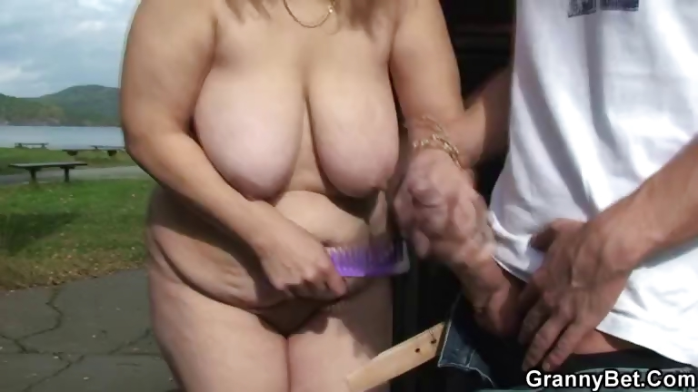 Porno Video of Granny Gets Nailed In The Changing Room