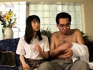 Сиделка у японского старика порно