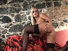 Скачать чешское порно с девушкой легкого поведения