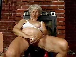 Sex Movie of Old Granny Shows Off That Flabby Body And Uses Some Of Her Toys