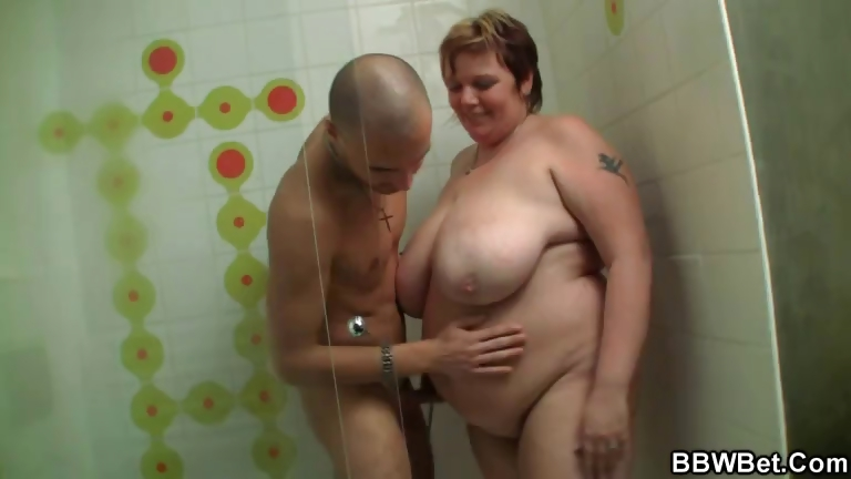 Sex Movie of Huge Bbw Gives Head And Gets Banged In The Shower