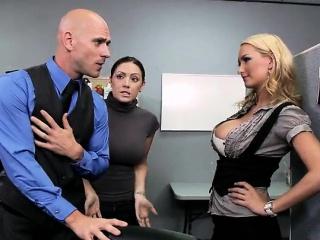 Втроем зрелые начальница лизать пизду смотреть порно онлайн