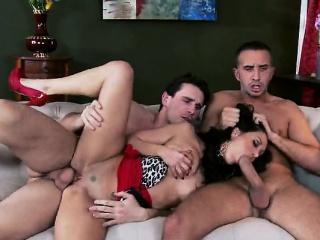 Двойное проникновение порно в hd качестве