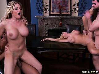 Крупно женский бурный оргазм смотреть порно