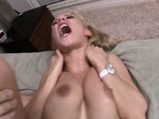 Фото девушек с пенисом во рту