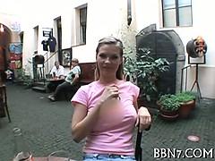 Молодая сука просит парня отлизать ей порно