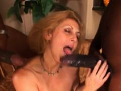 бесплатное порно видео с тёлками