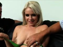 Девка трахает своего парня страпоном смотреть онлайн