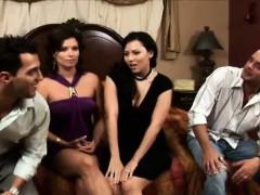 Смотреть порно онлайн бесплатно негры с большими членами груповуха