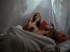 Фото голые военные девушки
