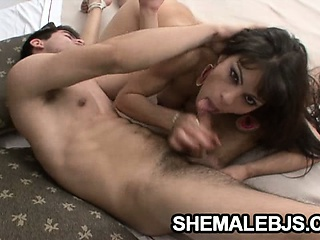 Horny shemale babe Morena gets her dick sucked before she