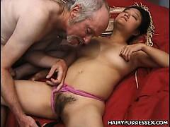Жесткий секс видео день траханя смотреть