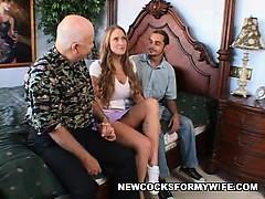 Пукает в нос парню порно онлайн