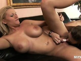 Крупные жопастые сиськастые бразильянки смотреть порно