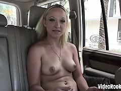 Смотреть порно тётя на приёме у массажиста