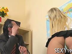 Смотреть порно видео русская мастурбирует