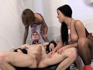 Киска трется на члене смотреть порно