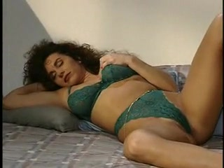 Porno Video of 80s Lezzies Enjoying The Poon