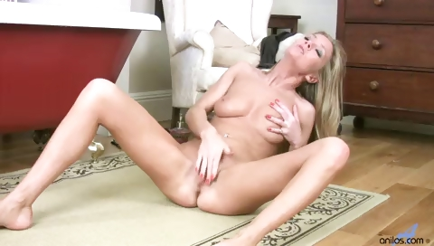 Porn Tube of Sexy Housewife Louise Dakotah Solo