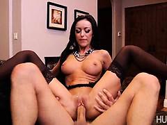 Лучшее секс видео молодая трогает большую грудь